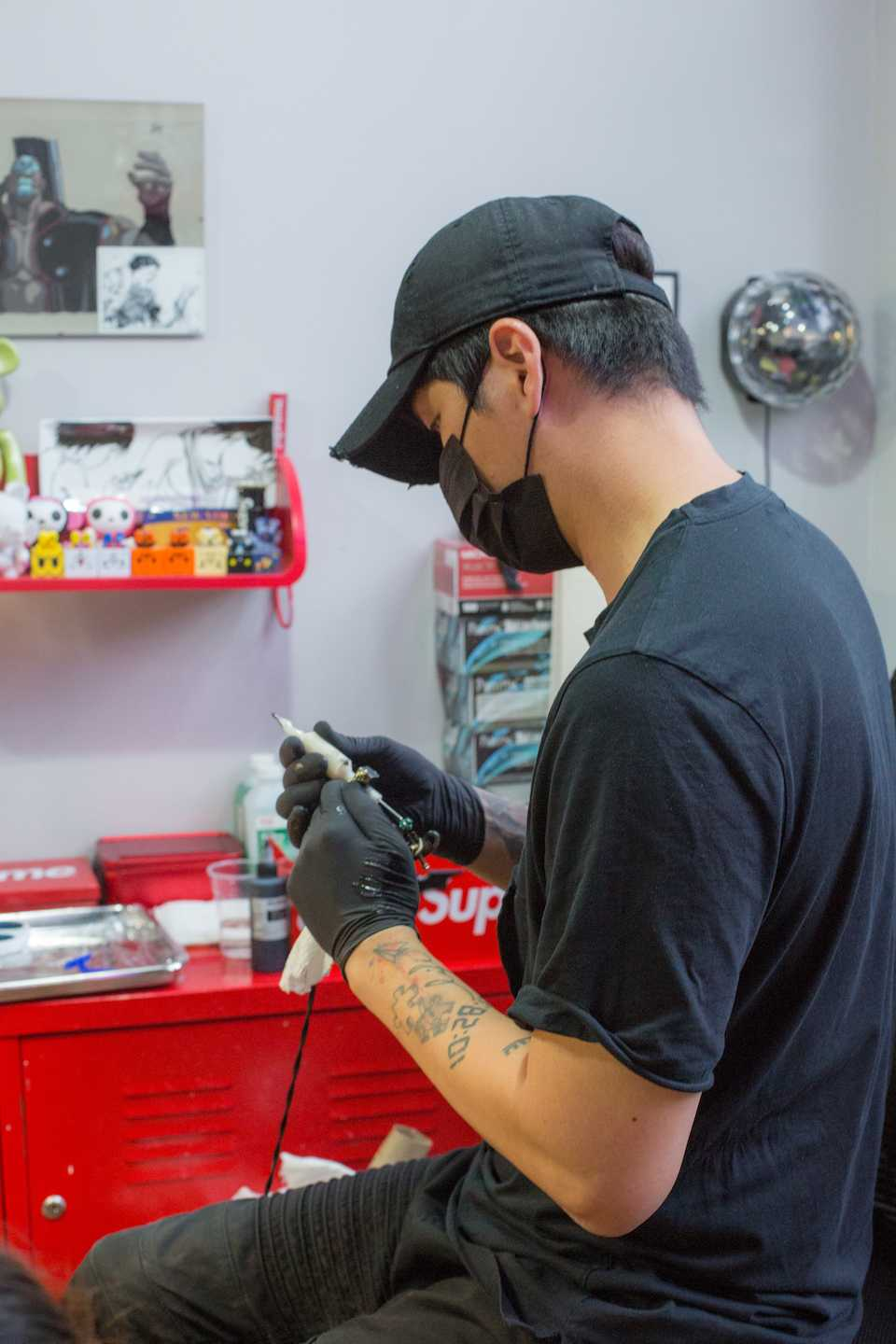 27ba208b6 Jay Shin is a Korean tattoo artist at Black Fish Tattoo. He specializes in  minimalistic and fine line designs, though he is not limited by it.